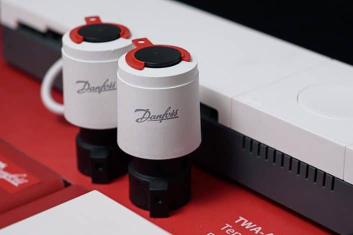 Danfoss Linc CC управление на термозадвижки и циркулационни помпи
